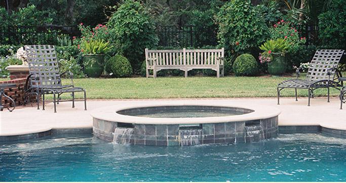 Circular Spa and Traditional Pool